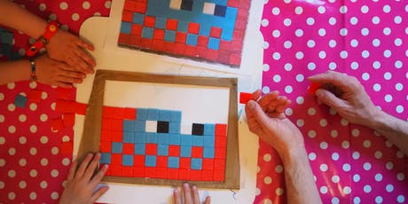 PIXEL CHALLENGE EN FAMILLE | Chasse au street-art & Atelier Invaders en mosaïque billets