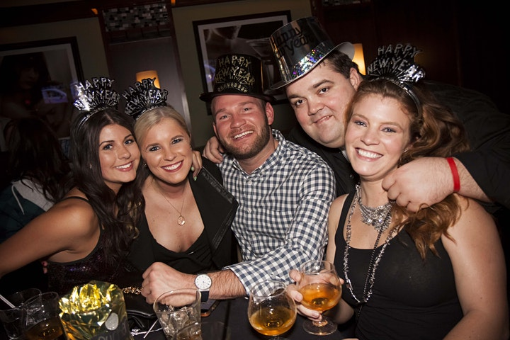 2022 Chicago New Year's Eve (NYE) Bar Crawl image