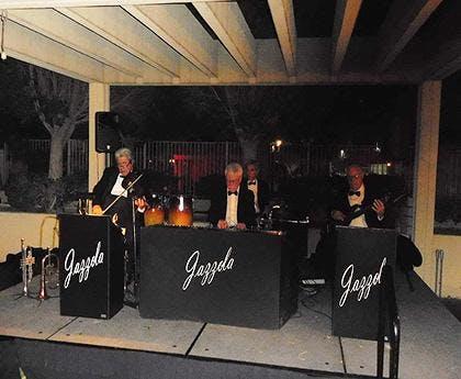 Jazzola Live