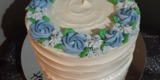 cake decorating: piped flower cake