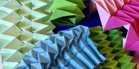 Origami class - fold a vase billets