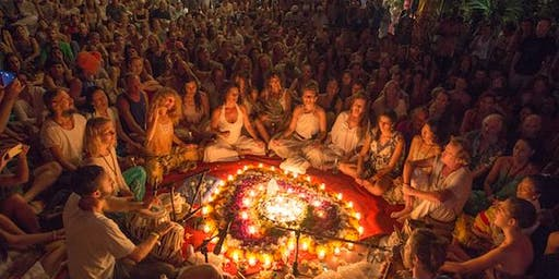 Kevin James - Ecstatic Heart Opening Kirtan in a Spectacular Temple