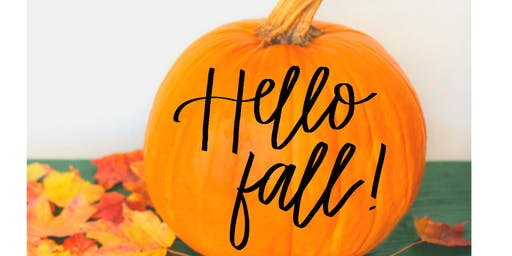Handletter and paint pumkins