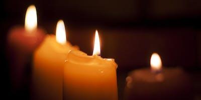Beeswax Candle Dipping Course / Cwrs Trochi Canhwyllau Cŵyr Gwenyn