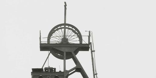 Bernd a Hilla Becher: Delweddau Diwydiant /  Industrial Visions.