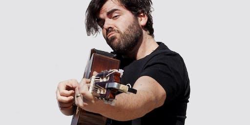 Pépé et sa guitare à La Baleine Endiablée