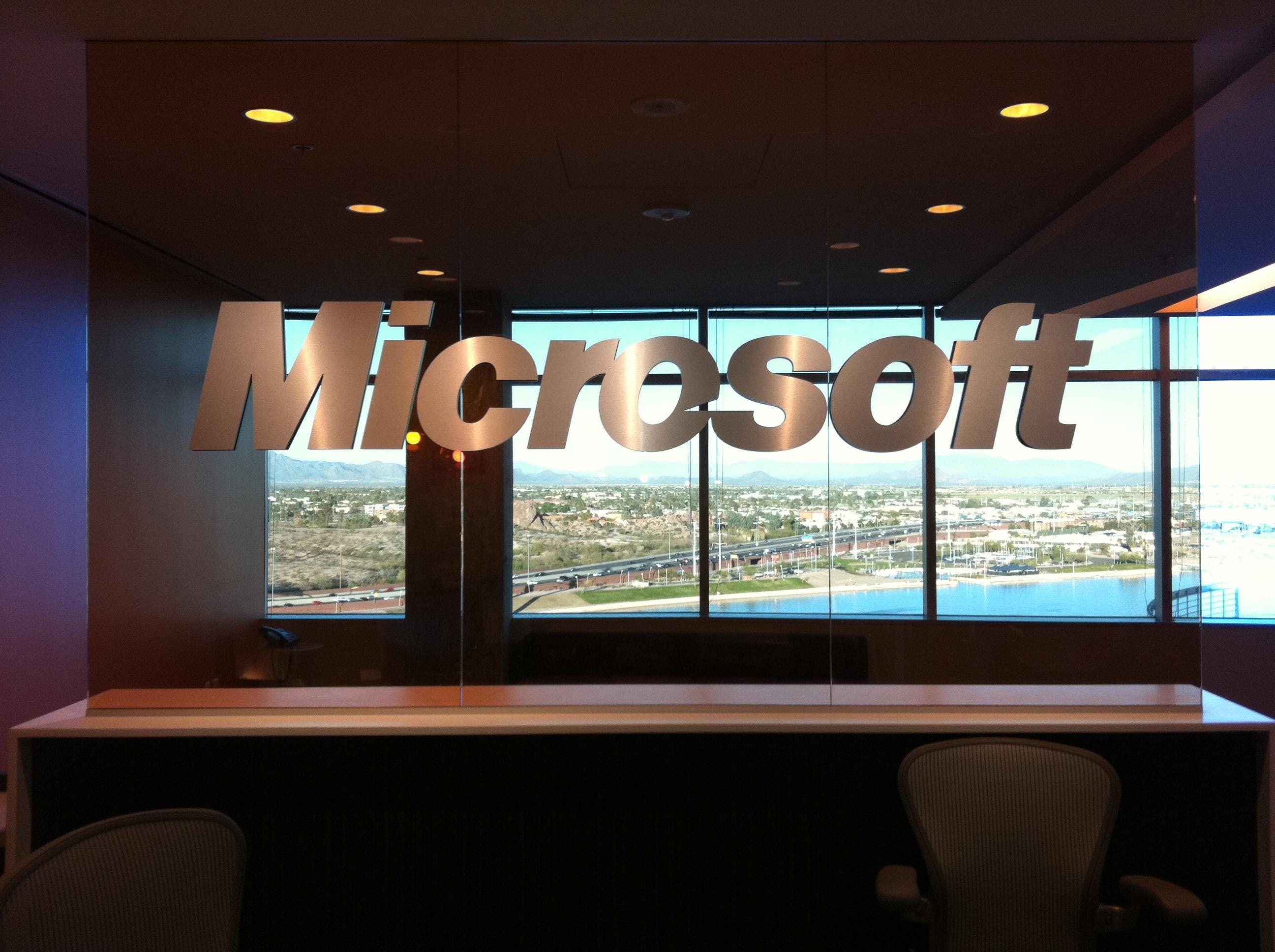 AZSMUG: Presents keeping up with Windows 10
