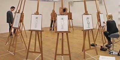 Life Drawing led by artist Dai Williams | Datblygu'ch portffolio gyda Lluniadu o'r Byw dan arweiniad yr artist Dai Williams - Criw Celf Rhondda Cynon Taf