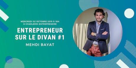 Entrepreneur sur le divan billets
