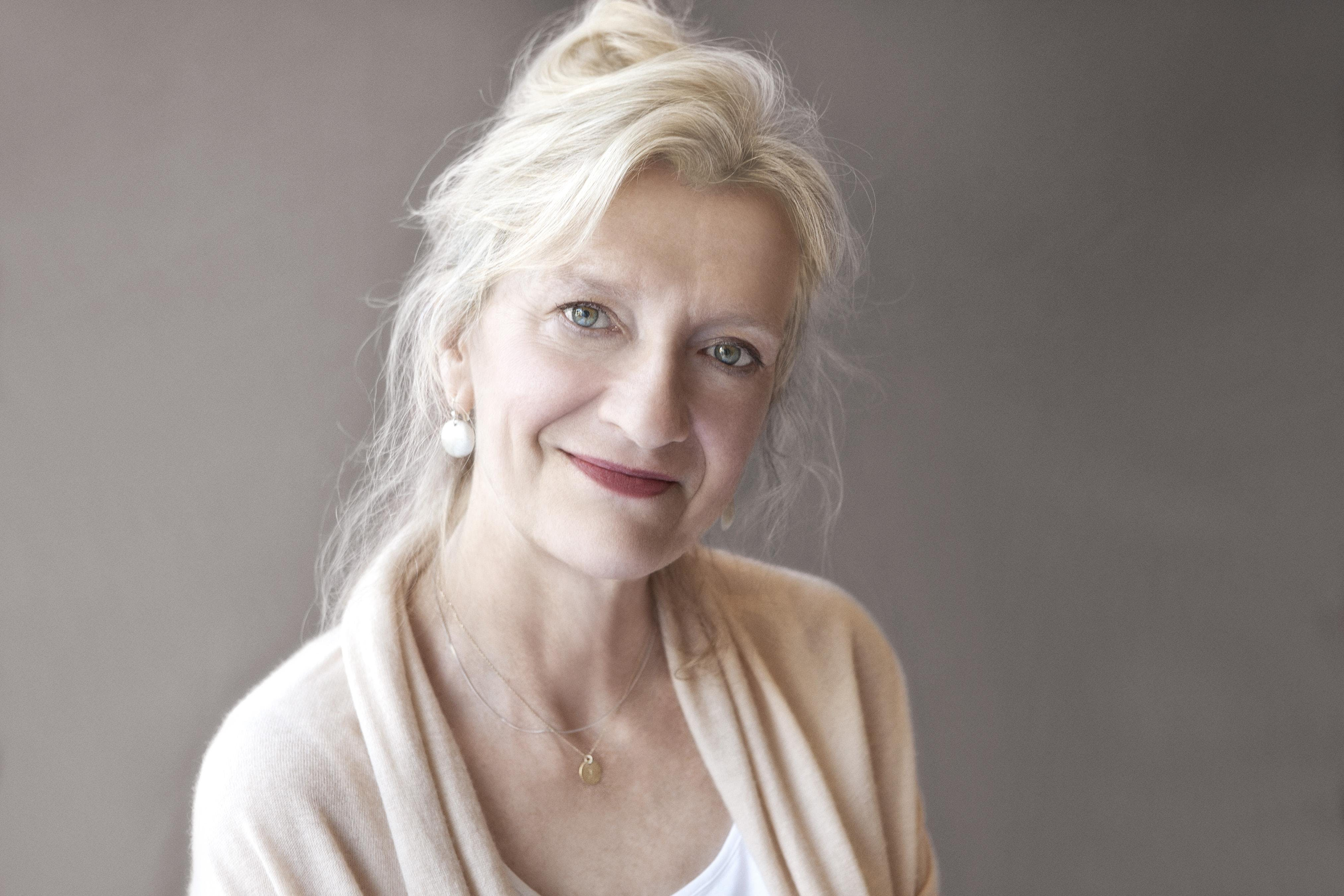 Elizabeth Strout Off The Page