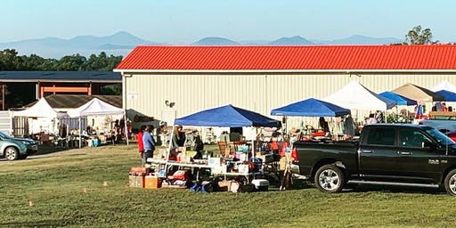 Outdoor Market at Gotta Have It Antiques