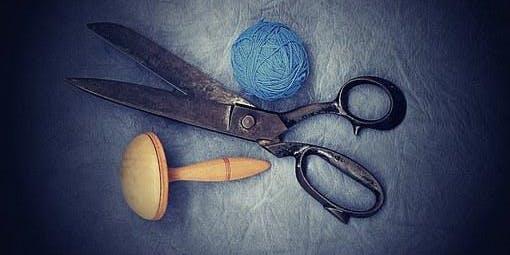 Laboratorio di cucito creativo con stoffe e tessuti di recupero