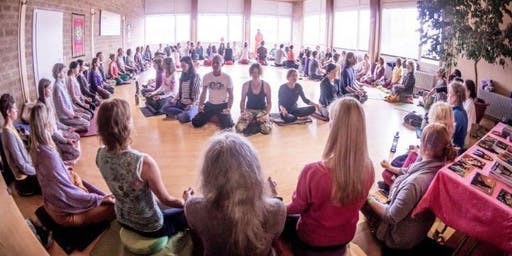 OM CHANTING SOUTH LONDON - Experience the Power & Vibration of OM