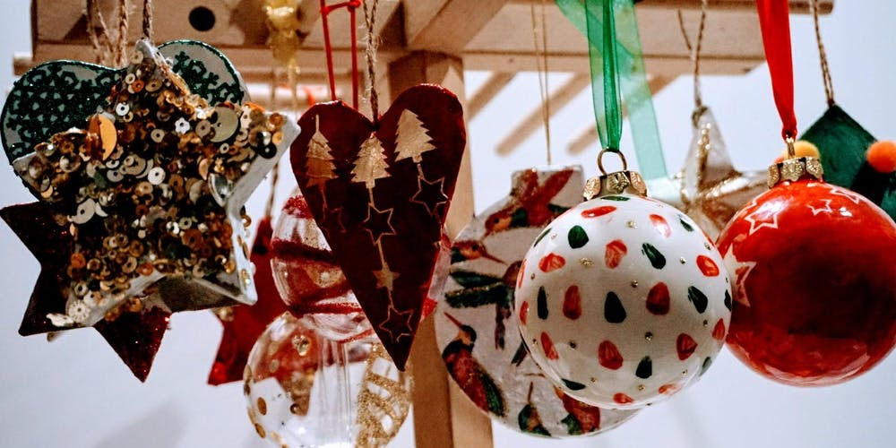 Christmas Decorations.Make Your Own Christmas Decorations With Byob
