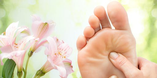 Learn to Stay Healthy with Essential Oils and Reflexology