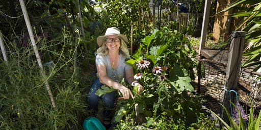 A tour of Donna's edible garden (early PM)
