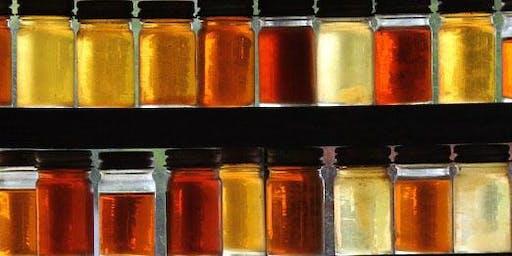 Honig & Heilkräuter: flüssiges Gold trifft aromatische pflanzen