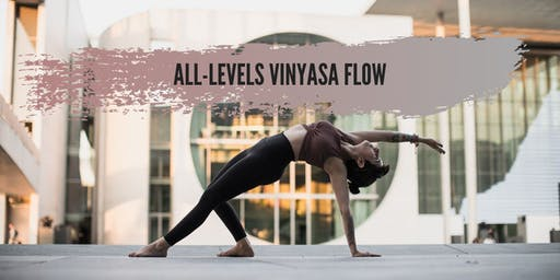 Yoga in English: All-levels Vinyasa flow