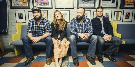 A Holiday Spectacular with AMANDA ANNE PLATT & THE HONEYCUTTERS