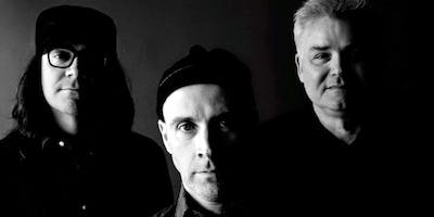 Messthetics at Cafe Berlin