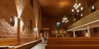 Evangelische Dankeskirche im neuen Licht-Gewand