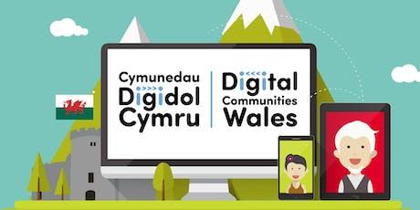 Cyflwyniad: Helpu Pobl i Fynd Ar-lein / Intro: Supporting People Get Online tickets