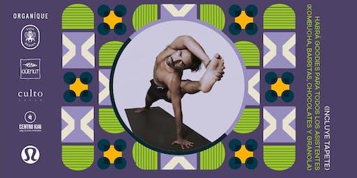 Yoga en Torre Reforma
