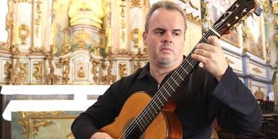 Moacyr Teixeira Neto en concierto