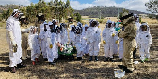 Tasmanian Junior Beekeepers registration day.