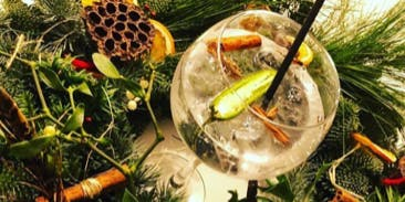 Christmas Wreath Making Workshop with Gin