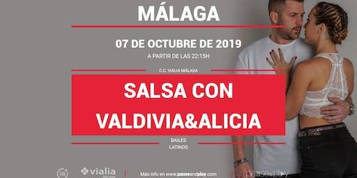 Bailes latinos Salsa con Valdivia&Alicia en Pause&Play Vialia Málaga
