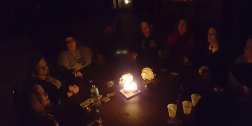 A Real Seance on Halloween!