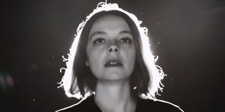 Laure Briard (Indie - Garaje - Bossa, Francia) en #OnTheRadar entradas
