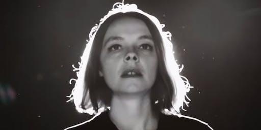 Laure Briard (Indie - Garaje - Bossa, Francia) en #OnTheRadar