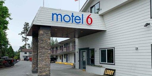 Motel 6 Victoria Airport - Grand Opening