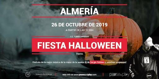 Fiesta Halloween con Sergio Robles en Pause&Play Torrecárdenas