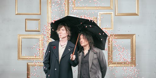 Y98 Deck The Hall Ball with Goo Goo Dolls