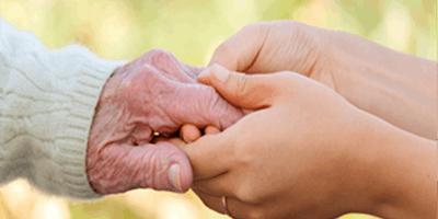 La cura di un famigliare affetto da demenza di Alzheimer