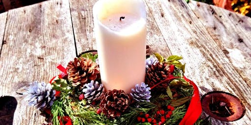 Natural Christmas Table Centrepieces