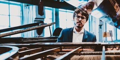 Lucas Debargue, piano