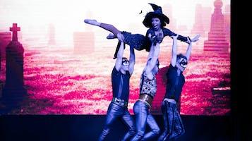 """Cirque-tacular's """"Spooktacular"""""""