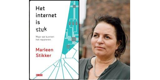 Waag 25: boekpresentatie 'Het internet is stuk' door Marleen Stikker