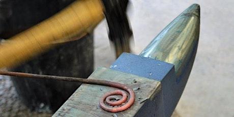 Cyflwyniad i Grefft y Gof | Introduction to Blacksmithing tickets