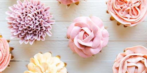 Decorating Buttercream Flower Cupcakes