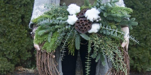 Chalet Chic Wreaths (with Wine and Apps) at Su Casa with Alice's Table