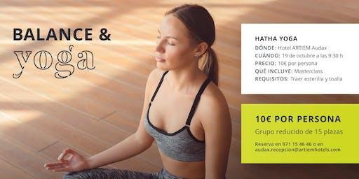Taller de Yoga en ARTIEM Audax, Cala Galdana
