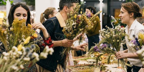 Festive Floral Posy Workshop with Grace & Thorn tickets