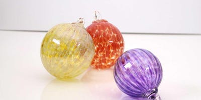 ornament glassblowing workshop at glassybaby madrona - 11/22/19