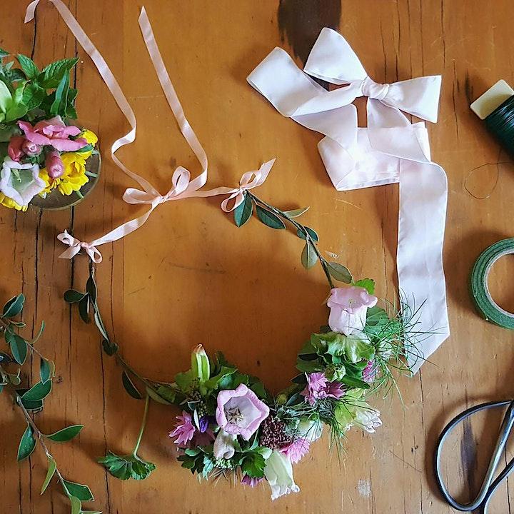Prosecco & Petals Workshop image