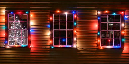 Hunt's Photo Walk: Holiday Lights in Portsmouth